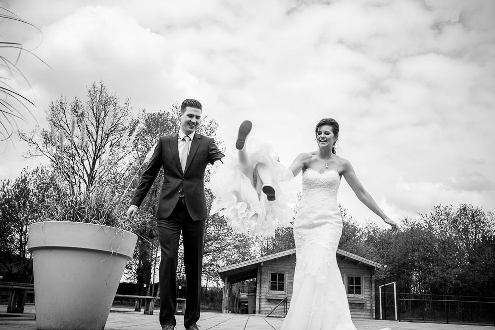 huwelijksfotograaf koppel en bruidskindje