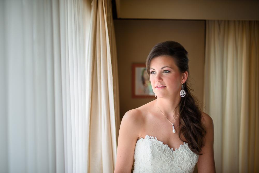 huwelijksfotograaf bruid wacht